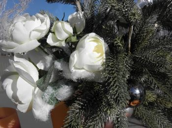 Ankündigung Betriebsurlaub Blumen Deko
