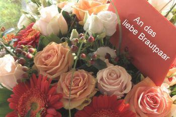 Geschenkideen Hochzeit Hochzeitsgeschenk Blumengesteck