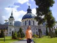 Tourismus in Bayern Touristik Oberbayern - Ausflugsziele-deutsche-alpenstrasse-kloster-ettal-150.jpg