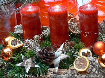 Kerzen und Deko für Weihnachten - Weihnachtsgrüße an Mitarbeiter